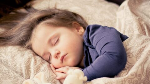 HOW TO MAKE YOUR CHILD SLEEP IN LONGER