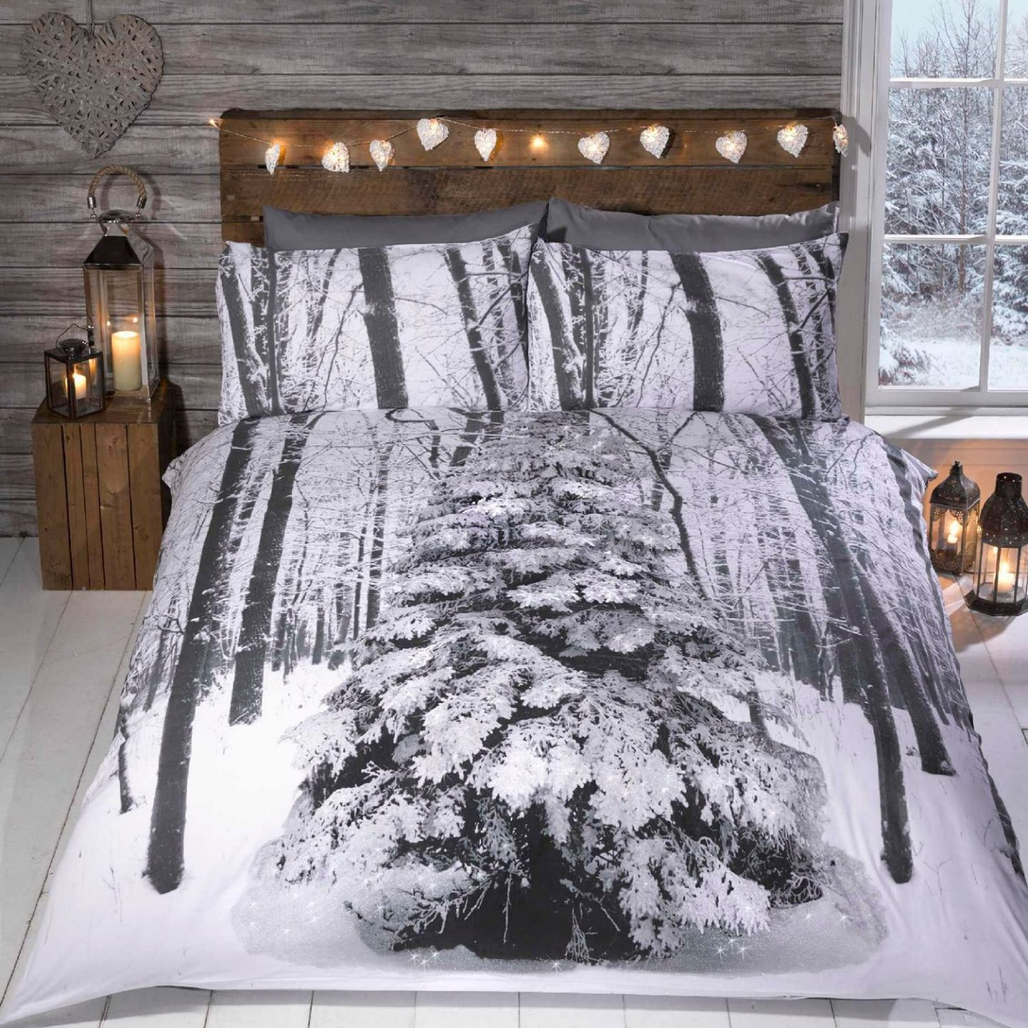 Best Christmas bedding - Snow scene from Amazon
