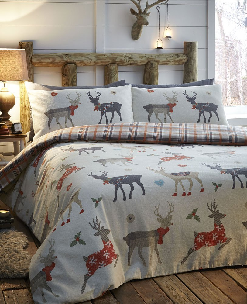 Best Christmas bedding - reindeers from Amazon.