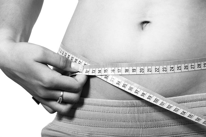 10 reasons it's impossible to lose weight once you are a mama