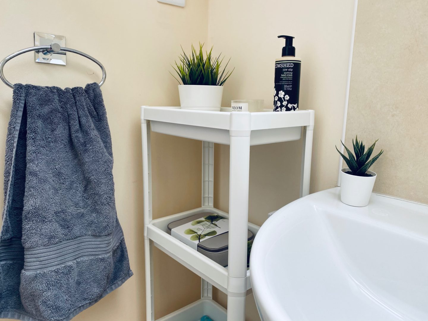 AD: Taking back control of mornings for only £51.75 with IKEA organisation hacks. Bathroom after IKEA items.