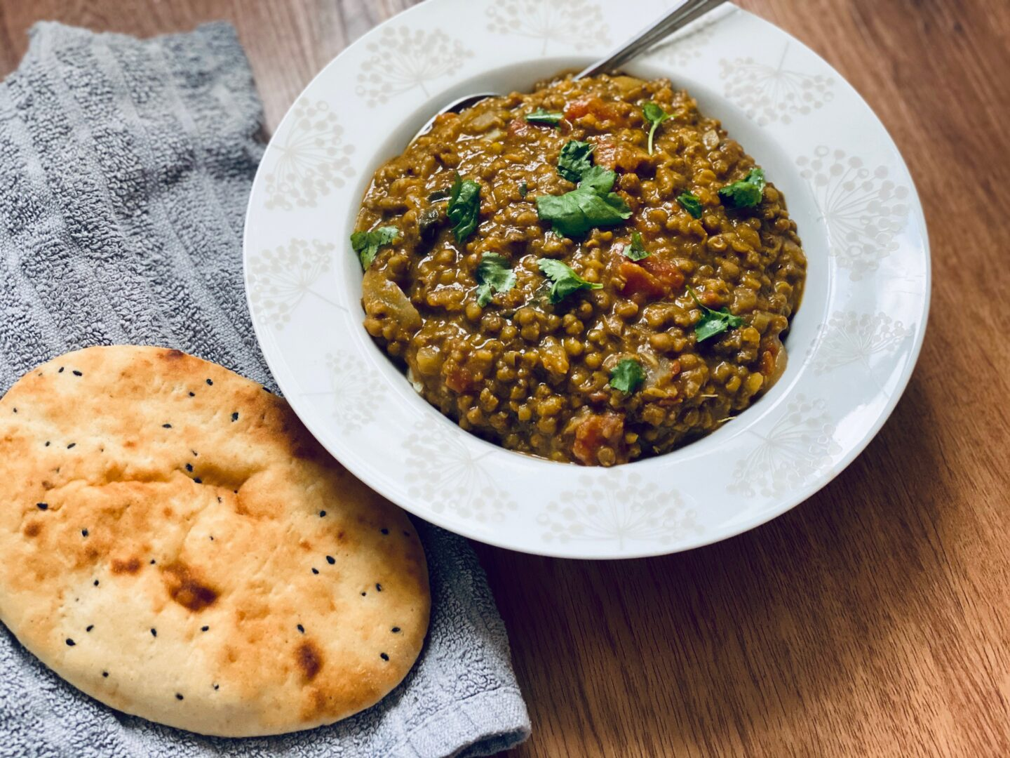 Slow cooker vegan mung bean and spinach dahl recipe