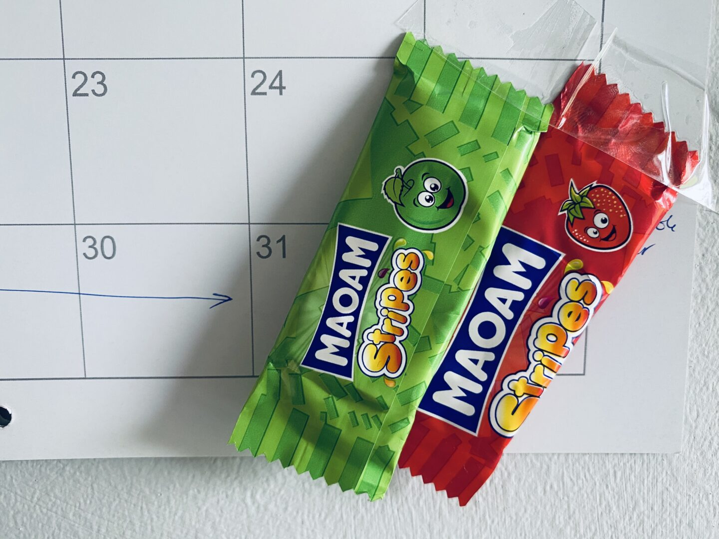 Some Maoam stuck to a calendar